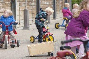 stock-kinderen-fietsjes